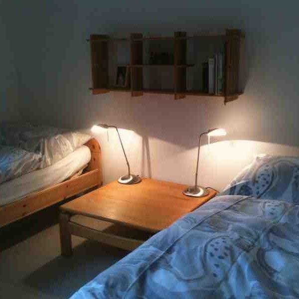 Schlafzimmer unten abends